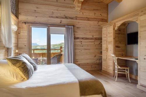 Habitación Doble con vistas a la montaña Hotel Viñas de Lárrede 2