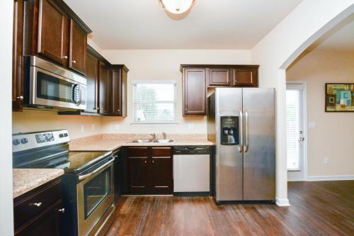 Atlanta's Newly Built Premier Home - Fairburn, GA 30213