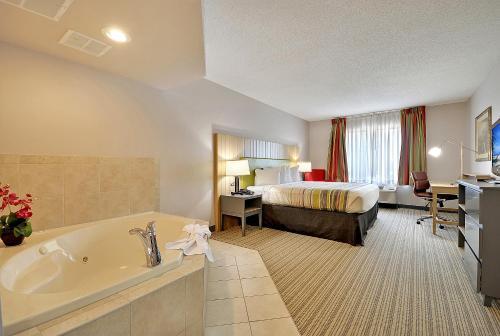 Country Inn & Suites by Radisson, Charleston North, SC Photo
