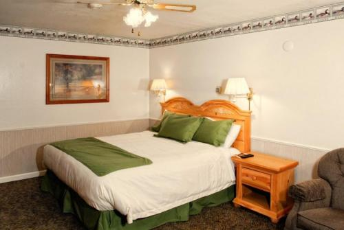 June Lake Motel Photo