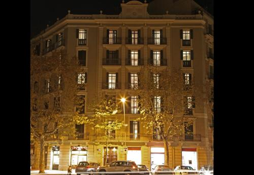 MH Apartments Suites photo 3
