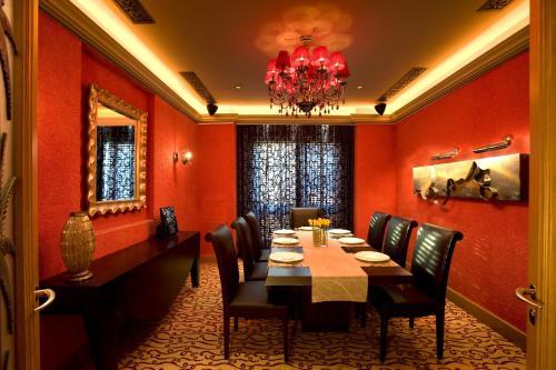 Shangri-La Hotel, Qaryat Al Beri photo 45