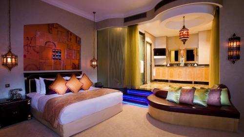 Shangri-La Hotel, Qaryat Al Beri photo 23