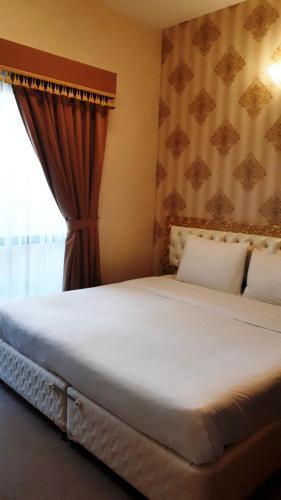 Royal Garden Hotel photo 56