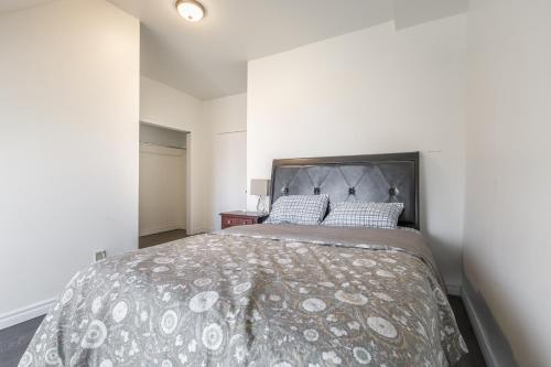 Elevate Rooms Yiju Guest House - Toronto, ON M5A 2N8