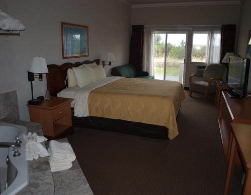 Quality Inn Ocean Shores Photo