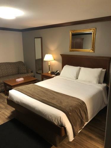 Talbot Trail Inn & Suites - Leamington, ON N8H 1L8