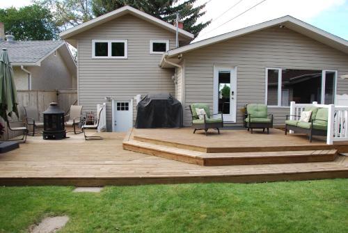 Family/business Friendly Home - Saskatoon, SK S7J 1R5