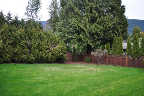 Relaxing Private 2 Br Home On North Shore - North Vancouver, BC V7R 2L4