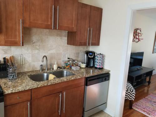 Woodland Two Bedroom - Buckhead/emory Area - Atlanta, GA 30324