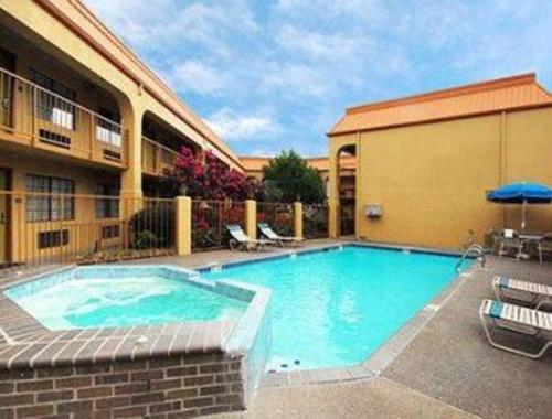 Days Inn By Wyndham Southaven Ms - Southaven, MS 38671