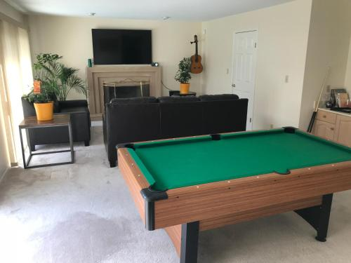 Vancouver Guest House In Great Location - Vancouver, BC V5Z 2E1