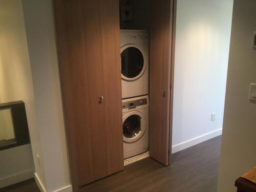 High Rise Concord Garden Apartment - Richmond, BC V6X 0N4