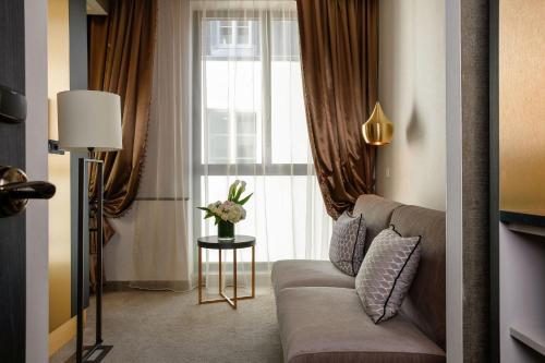 Niepce Paris, Curio Collection By Hilton photo 4