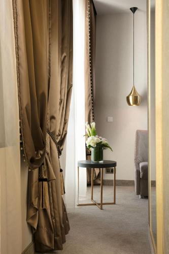 Niepce Paris, Curio Collection By Hilton photo 5