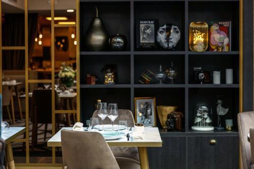 Niepce Paris, Curio Collection By Hilton photo 35