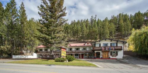Gables Motel - Radium Hot Springs, BC V0A 1M0