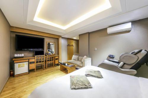 Argo Hotel photo 56