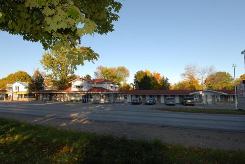 Kings Inn Orillia Photo
