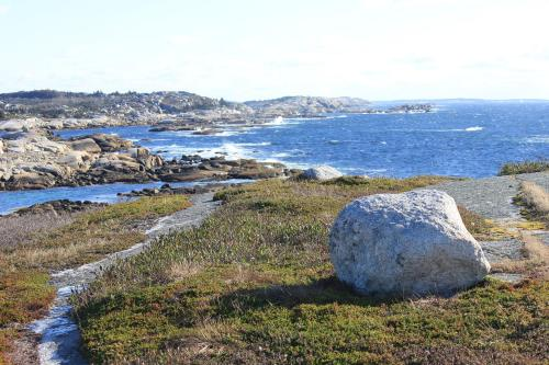 Peggy's Cove Retreat (much Better Oceansides Inc) - Halifax, NS B3Z 3S2