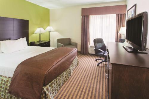 La Quinta Inn & Suites Columbus – Grove City Photo