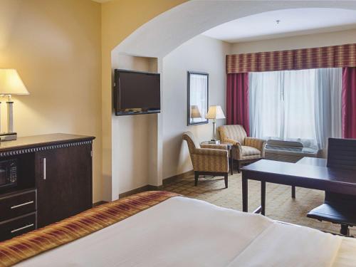 La Quinta Inn & Suites Mobile Satsuma/Saraland Photo