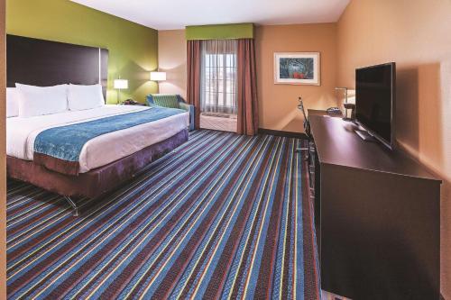La Quinta Inn and Suites Muskogee Photo