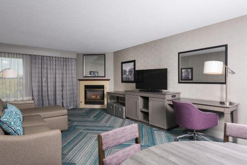 Hampton Inn Midland Photo