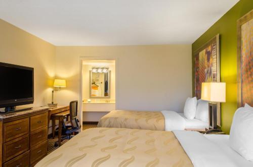 Quality Inn & Suites - Laurel, MS 39440