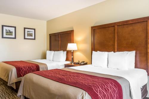 Comfort Inn Near FairPlex Photo