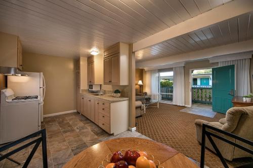 Best Western Plus Encina Inn & Suites Photo