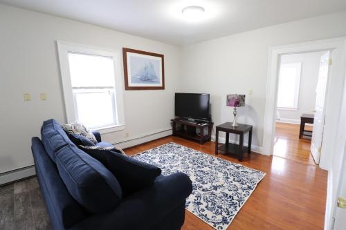 Beautiful Apartment Near Downtown - Hartford, CT 06114