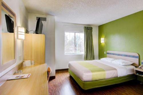 Motel 6 Denver East - Aurora Photo