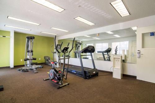 Studio 6 Dallas - Plano Medical Center Photo