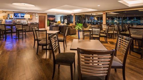 Best Western Plus Bayside Hotel Photo