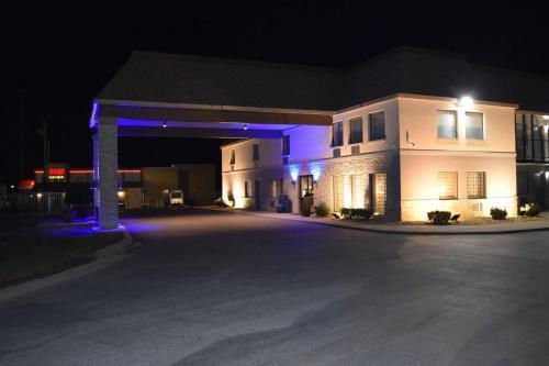 Best Western Executive Inn Dickson Photo