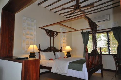 Kilifi Bay Beach Resort Photo