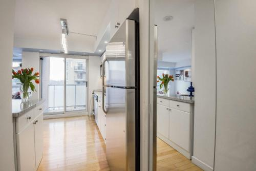 JJ Furnished Apartments Downtown Toronto: King's Luxury Loft Photo