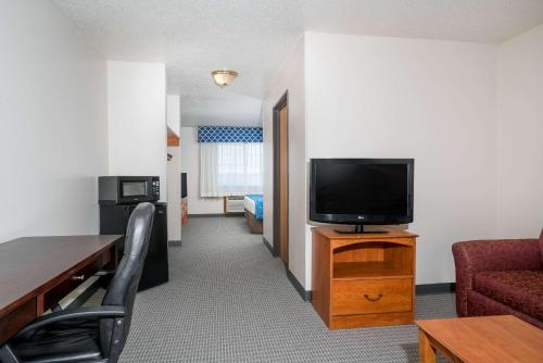 Ramada Limited Cockeysville Photo