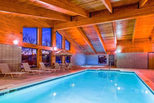 AmericInn Motel & Suites Medora Photo