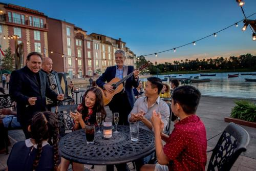Universal's Loews Portofino Bay Hotel photo 29