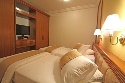 Harbor Hotel Batel Photo