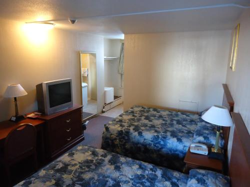 Canadiana Motel - Sudbury, ON P3C 4S1