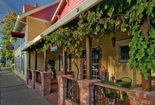 Silverton Inn & Suites Photo