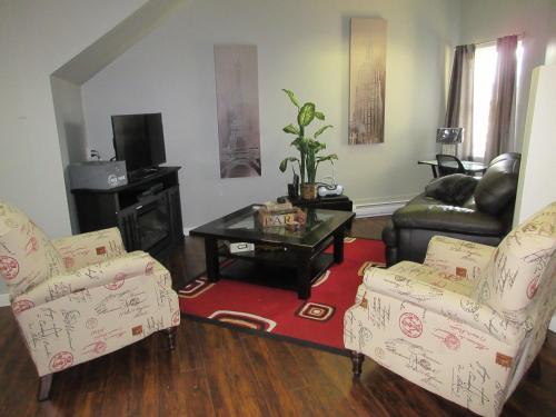 Traveller's Three Bedroom Suite - Nanaimo, BC V9R 5G9