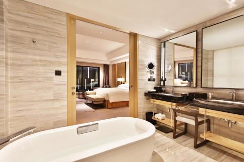 Hilton Suzhou photo 74