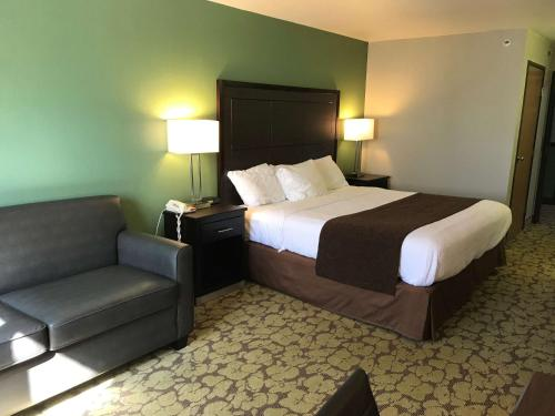 SureStay Plus Hotel by Best Western Bettendorf Photo
