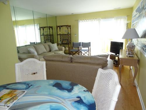 Tybee Lights - 2 Bedroom - Tybee Island, GA 31328