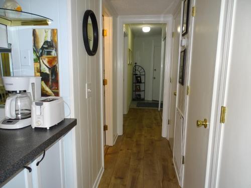 Doo Drop Inn - 1 Bedroom - Tybee Island, GA 31328