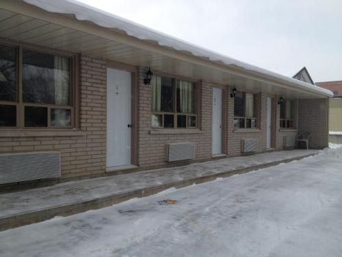 Milestone Motel - Collingwood, ON L9Y 1B3